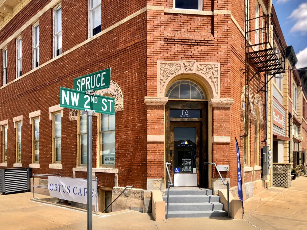 Ortus Cafe & Gallery: 118 NW 2nd St, Abilene, KS