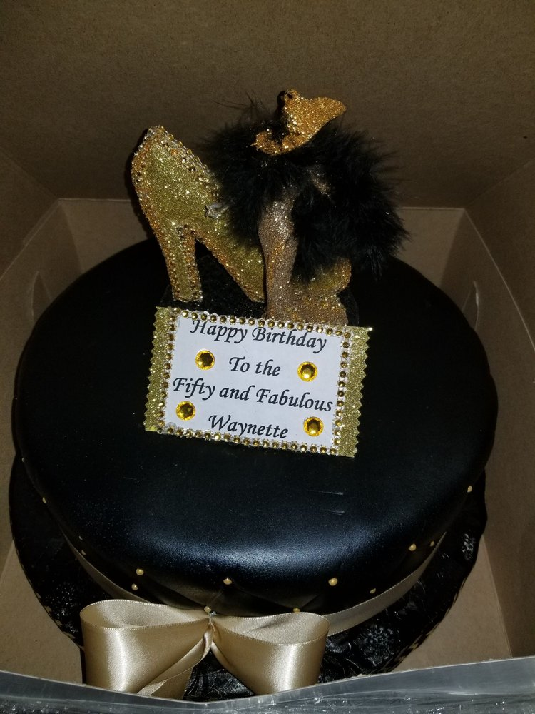 My Sister Purchase This Divacake For Her Bestie The Birthday Girl