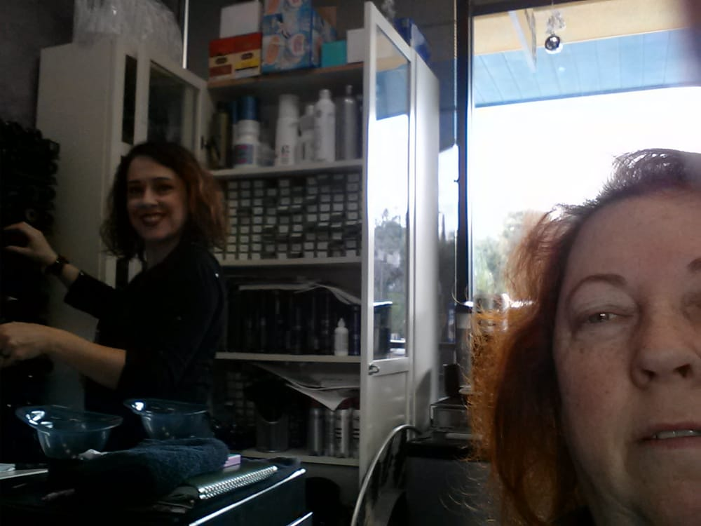 Melanie is a marvelous hairdresser i soooo recommend her for A salon of studio city