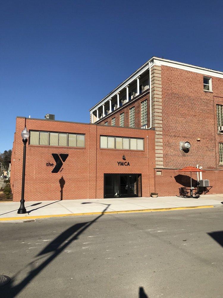 Elkins Randolph County YMCA: 400 Davis Ave, Elkins, WV