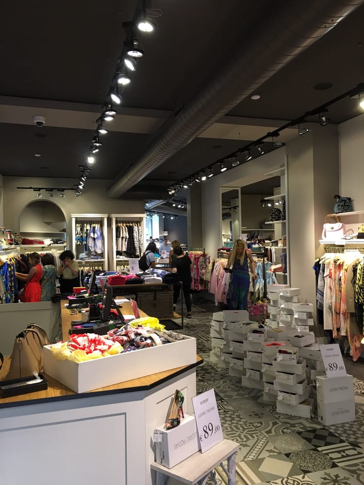 Matia\'s Fashion Outlet - Outlet - Corso Venezia 37, Palestro ...