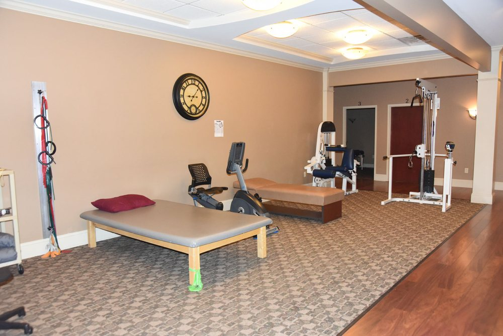 Integrated Chiropractic and Physical Therapy: 16 Main St, Hilton, NY