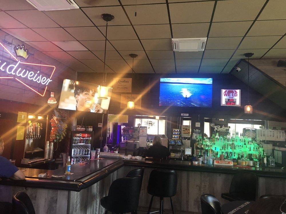 Rookies Sports Bar: Albany, MN