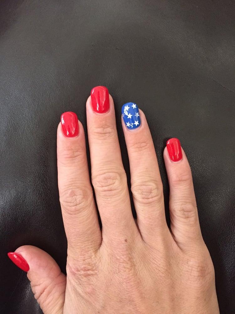Iowa Hawkeye nail art - Yelp