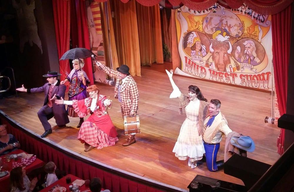 Hoop-Dee-Doo Musical Revue: 4510 N Fort Wilderness Trl, Orlando, FL