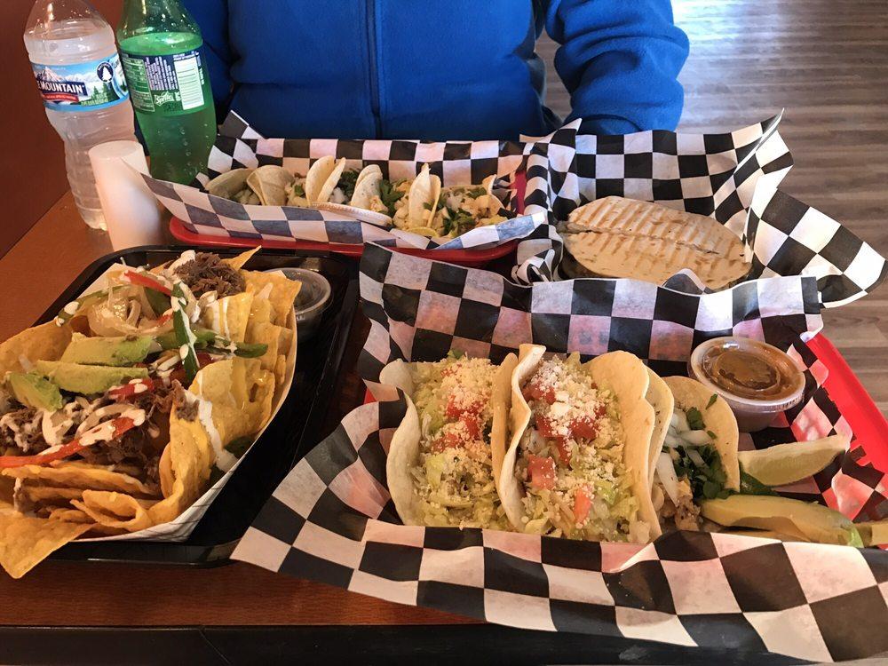 Vero's Tacos: 1754 Commerce Dr, North Mankato, MN