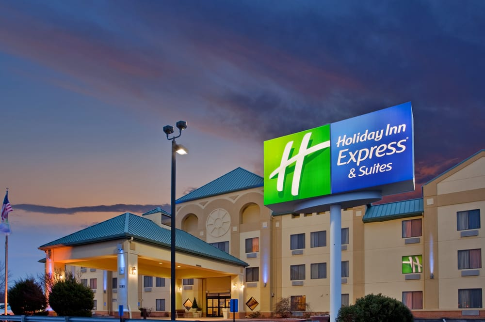 Holiday Inn Express & Suites St. Louis West - Fenton: 1848 Bowles Ave, Fenton, MO