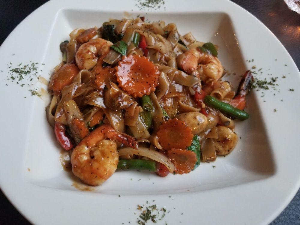 EAV Thai & Sushi: 467 Flat Shoals Ave SE, Atlanta, GA