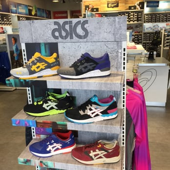 Reviews Stores Blvd W 16 Asics Photosamp; Shoe 20 31 City Outlet KuT35lFJ1c