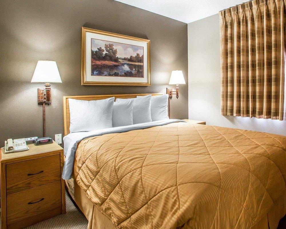 MainStay Suites: 5145 Rockwell Drive NE, Cedar Rapids, IA