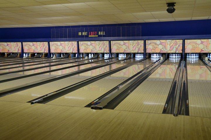 Iris Bowling Center & Splitz: 300 S Iris St, Mount Pleasant, IA