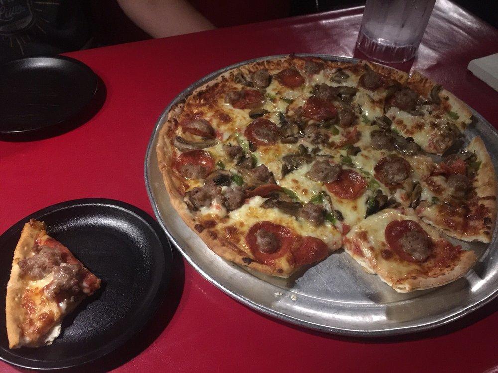 Bianchi's Pizza: 607 La Salle St, Ottawa, IL