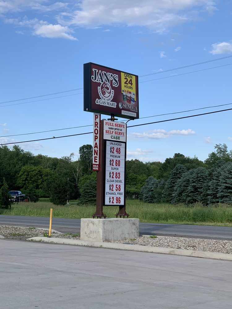 Jan's Smoke Shop II: 383 Bloomingdale Rd, Akron, NY