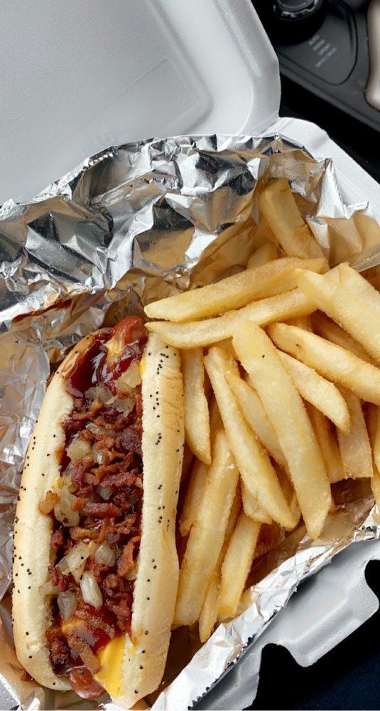 Fatty C's Dog House: 107 N Warren Ave, Big Rapids, MI