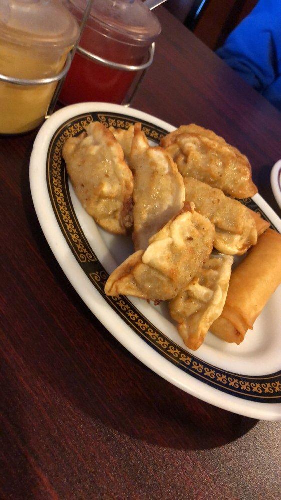 MJ Chinese & Vietnamese Restaurant: 1414 W Locust St, Davenport, IA