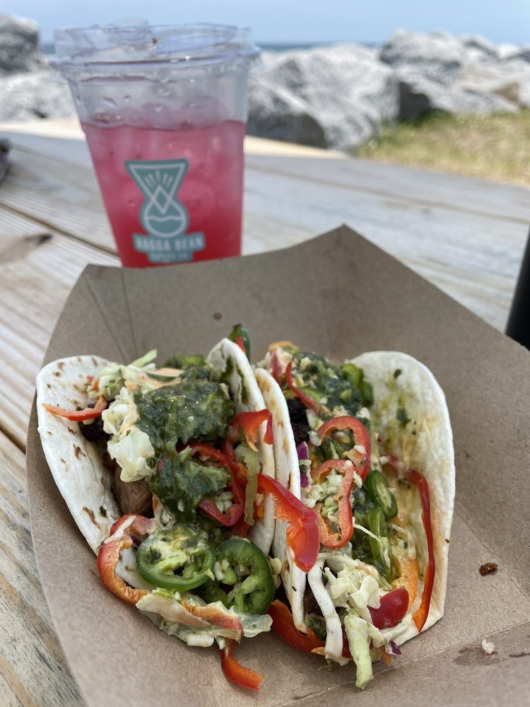Ragga Surf Cafe: 9650 N Oceanshore Blvd, St. Augustine, FL