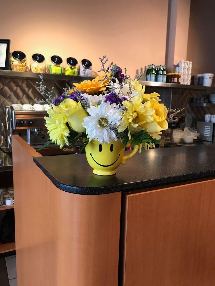 Williston Park Florist: 54 Hillside Ave, Williston Park, NY