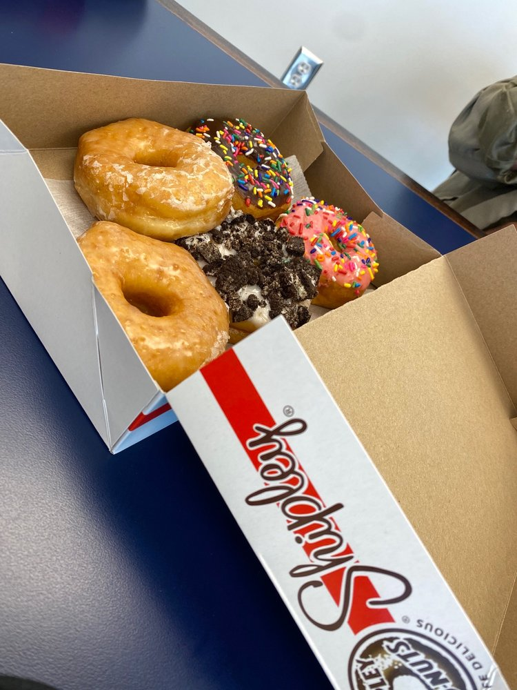 Shipley Donuts: 896 Vee St, Biloxi, MS
