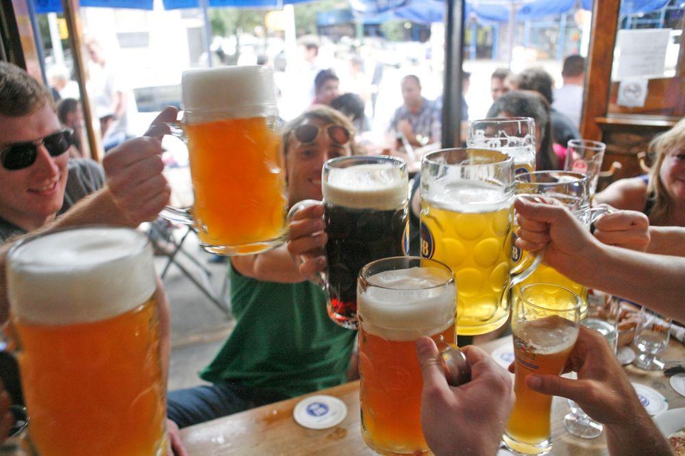 zum schneider - 363 photos & 538 reviews - pubs - 107 ave c, Gartenarbeit ideen