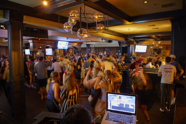 LG's Bar - Order Food Online - 61 Photos & 117 Reviews