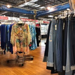 6bc4bf39a Photo of Festival Marketplace - Pompano Beach, FL, United States. Clothing  with jewelry