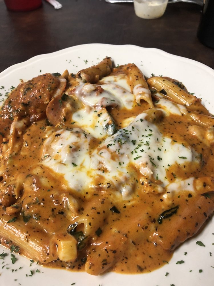 Napolis Italian Restaurant: 210 E Commerce St, San Saba, TX