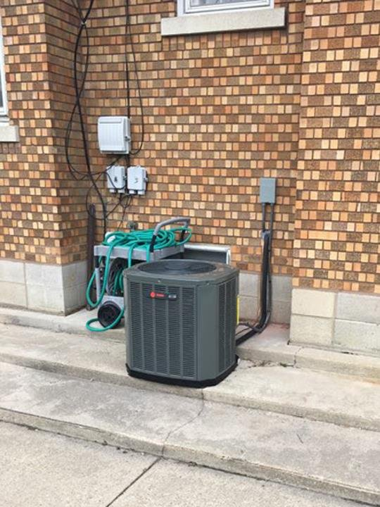 McNabb Heating & Cooling: Morris, IL