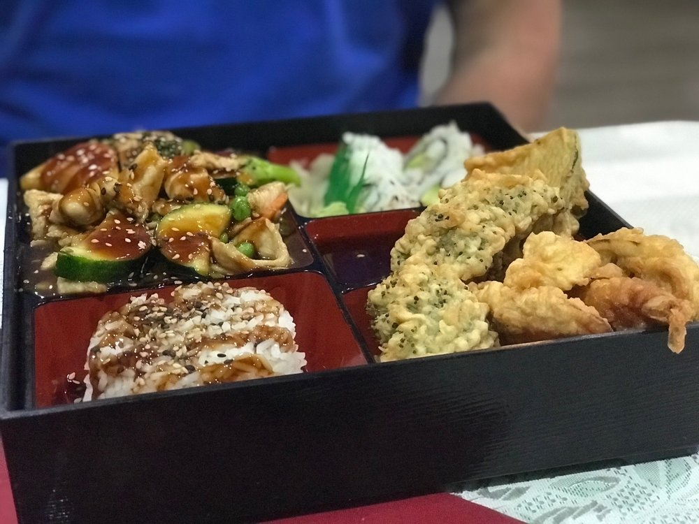 Kingdom Thai and Sushi: 2405 Neuse Blvd, New Bern, NC