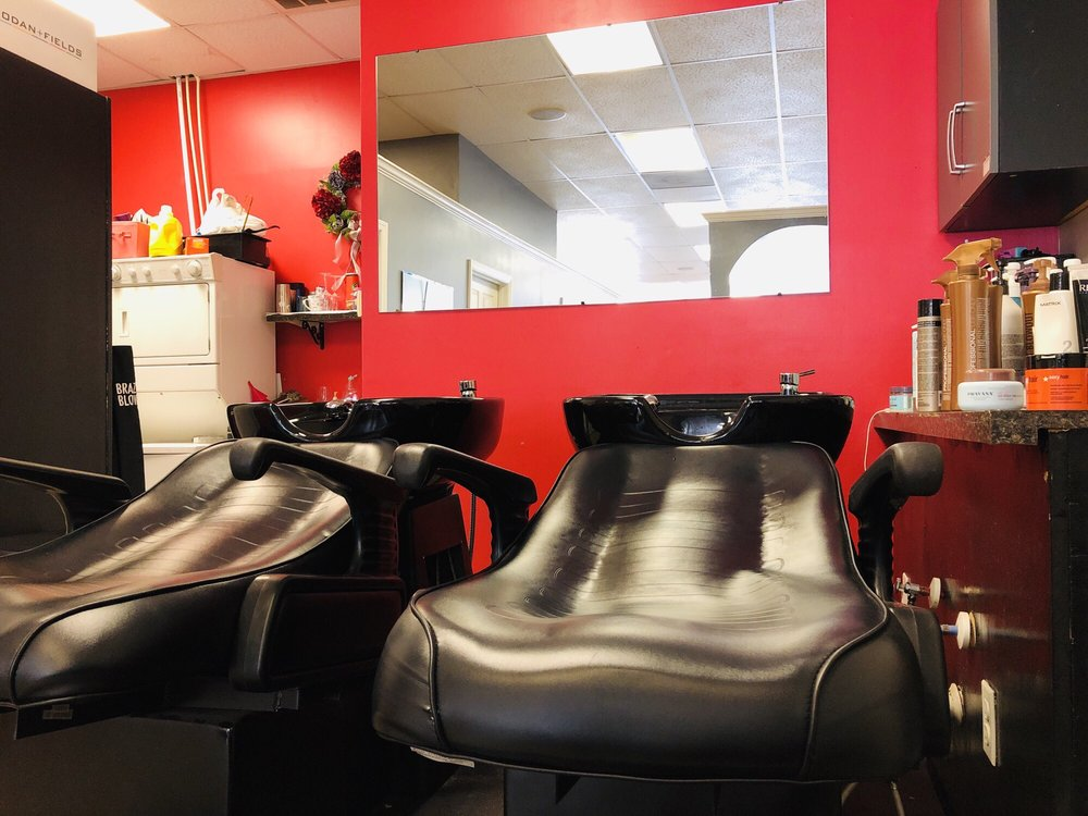 OuterGlow Salon and Spa: 1350 US-501 Bus, Conway, SC