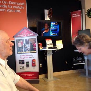 Comcast Service Center 17 Reviews Internet Service