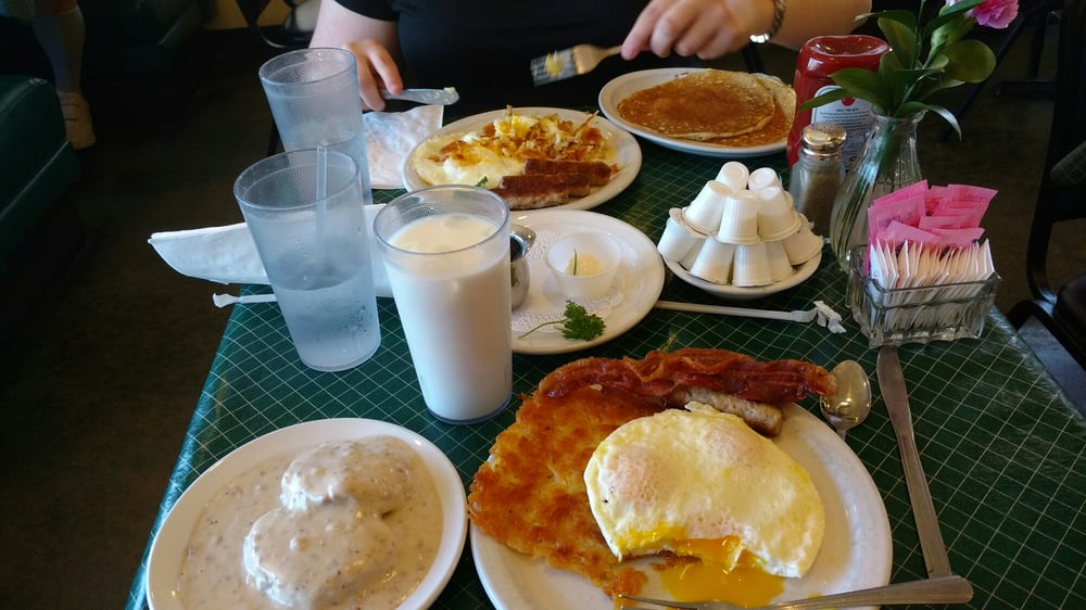 Berry's Pie Pantry: 230 N Virginia St, Prescott, AZ