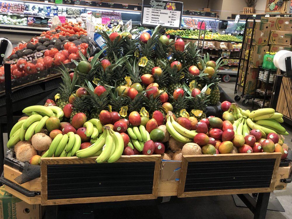 Pepper's Supermarket: 812 E Florida St, Deming, NM