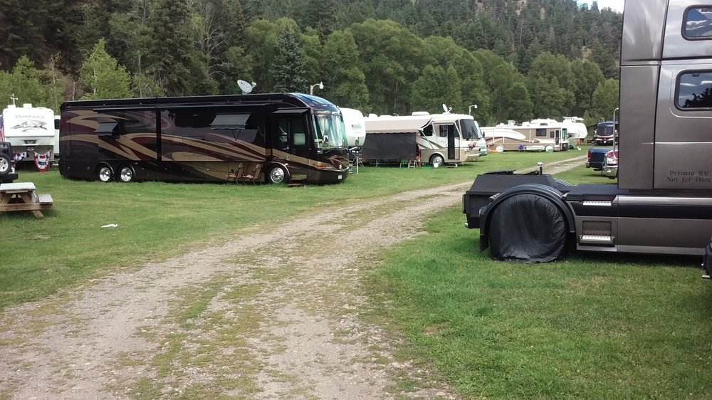 Goodnight's Lonesome Dove RV Campground & Cabins: 180065 US Hwy 160, South Fork, CO