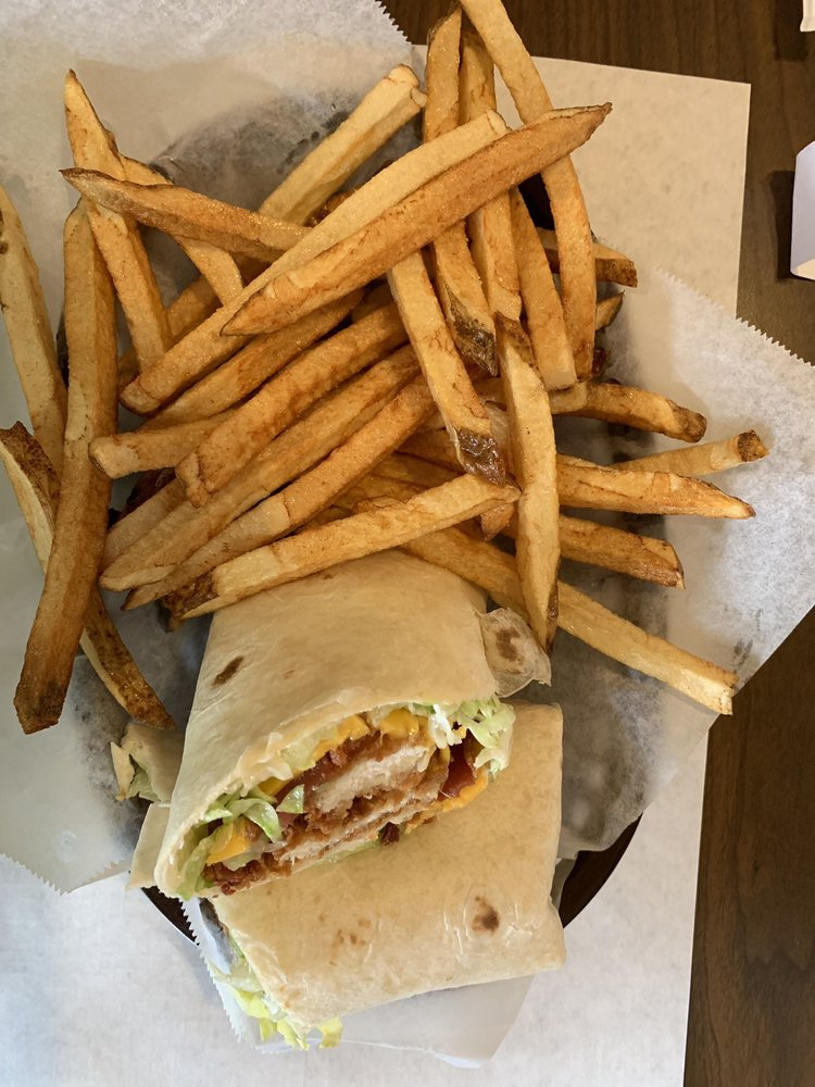 SueBob's Diner: 2573 Hwy 283, Powells Crossroads, TN