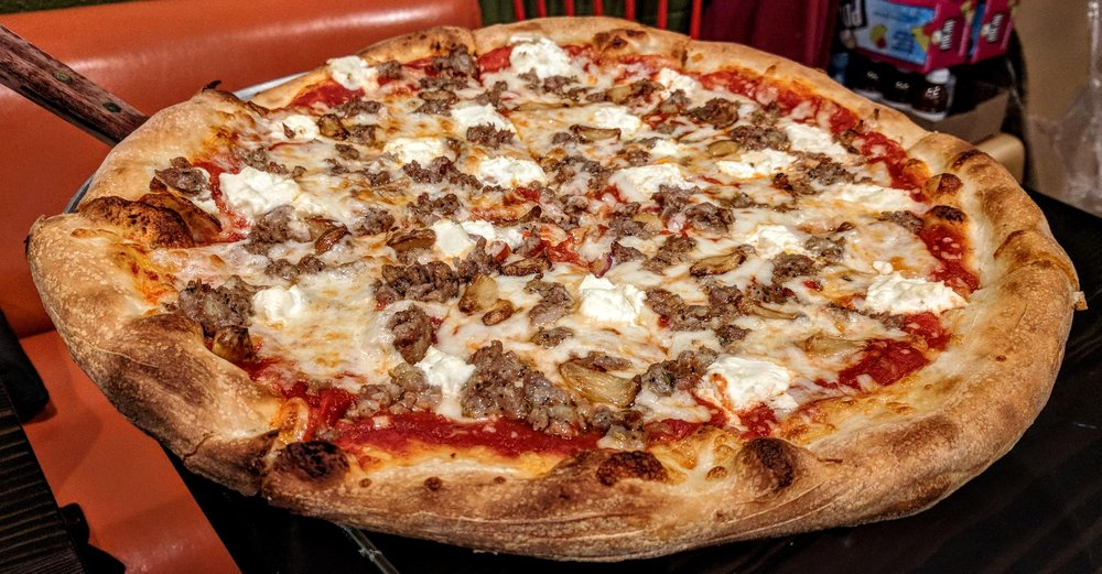 Oly's Pizza: 5425 E Burnside St, Portland, OR