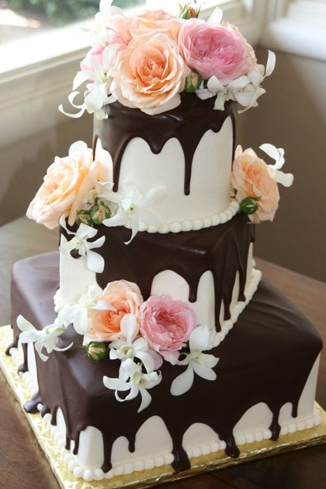 chocolate ganache drip wedding cake chocolate ganache drip from the top of each tier on 12710