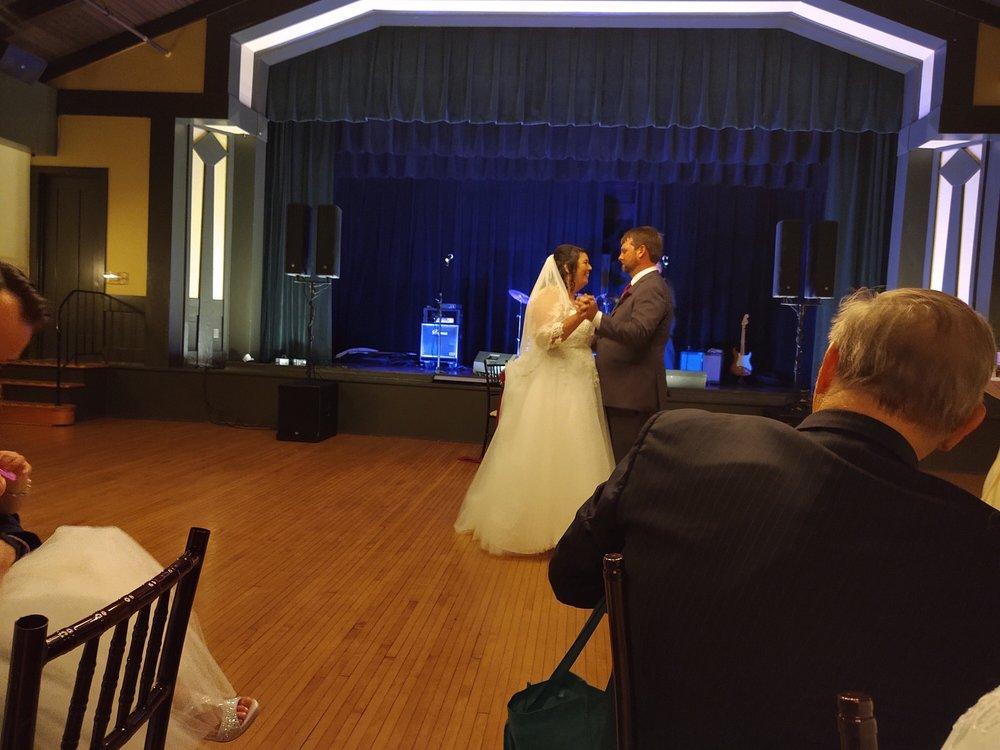 Kenilworth Assembly Hall: 410 Kenilworth Ave, Kenilworth, IL