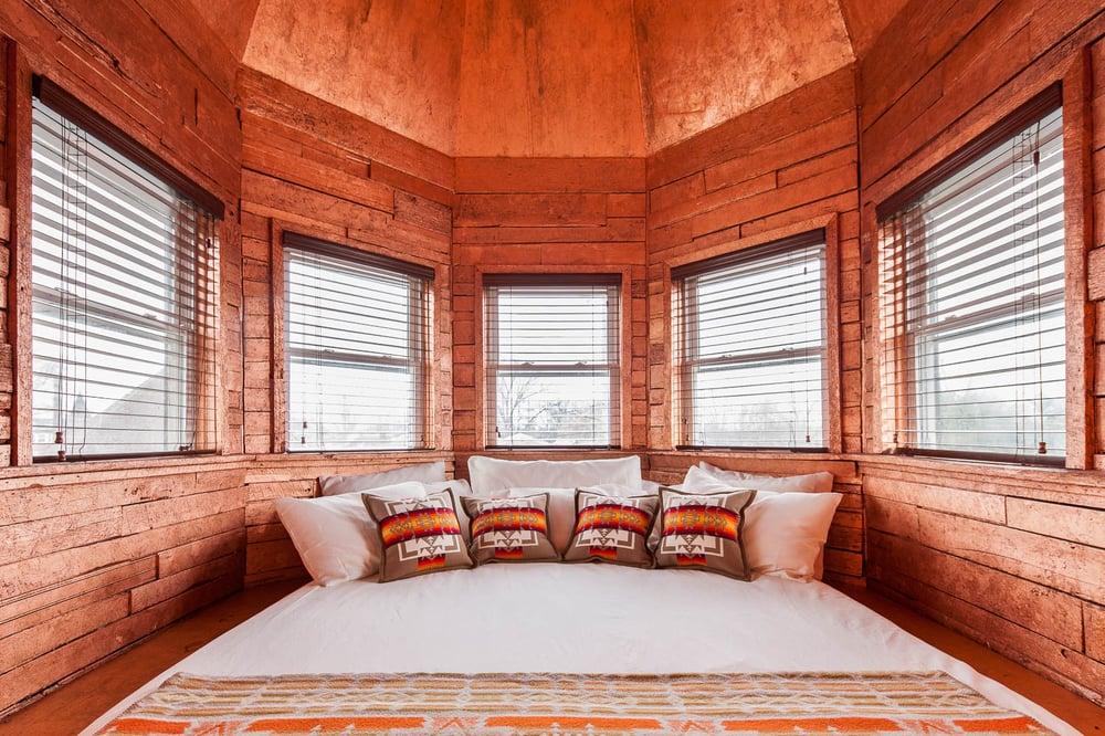 Urban Cowboy Bed & Breakfast: 1603 Woodland St, Nashville, TN