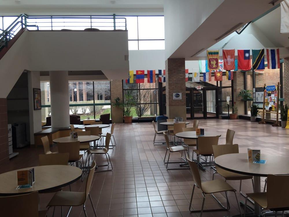 Pierpoint commons universit 2101 bonisteel blvd ann for Affitti della cabina di ann arbor michigan