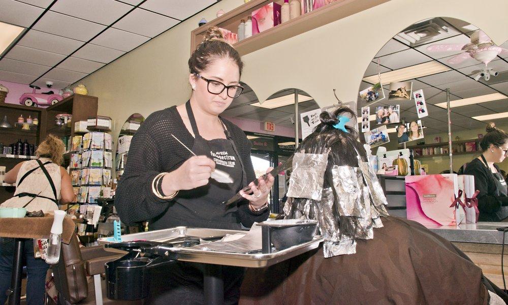 Slightly High Maintenance Salon & Boutique: 3775 Stockton Hill Rd, Kingman, AZ