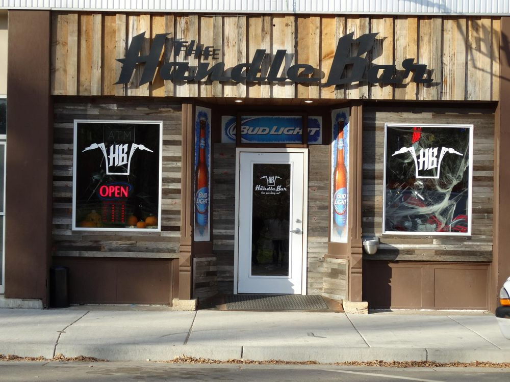 The Handle Bar: 308 Atlantic Ave, Atwater, MN