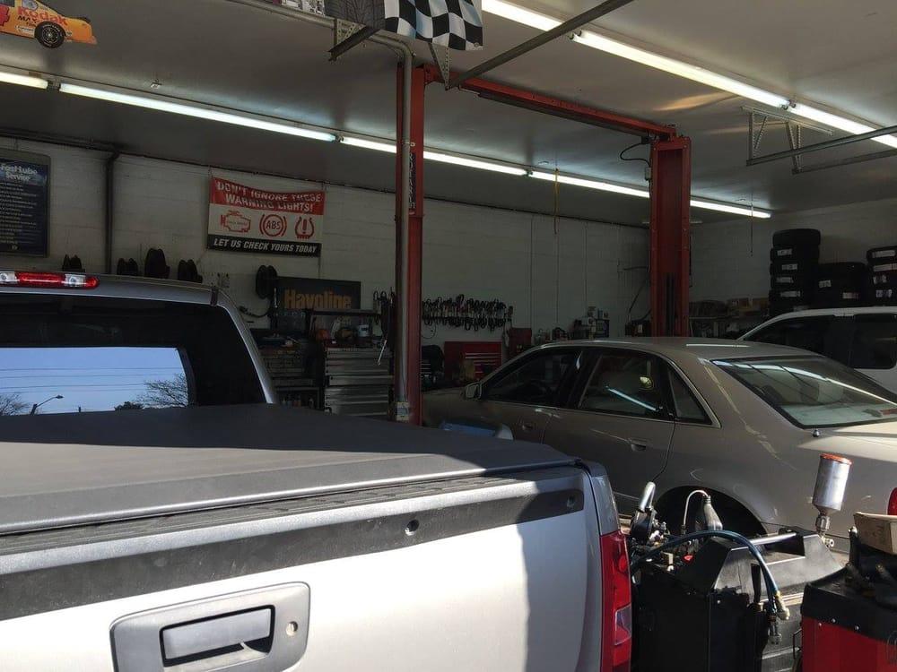 Abingdon Auto Lube: 847 W Main St, Abingdon, VA