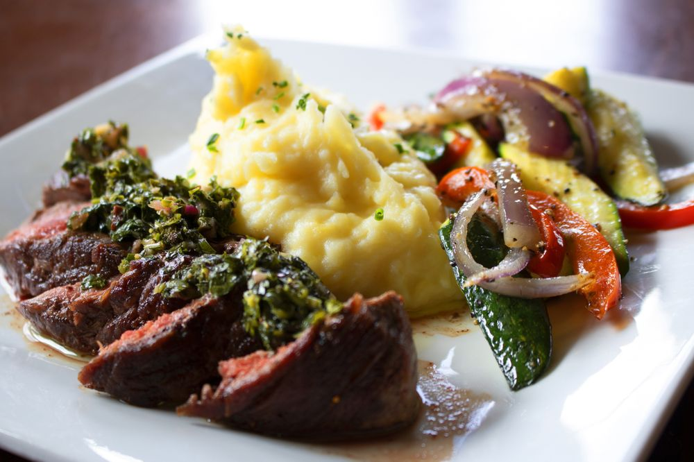 Taprock Northwest Grill: 971 SE 6th St, Grants Pass, OR