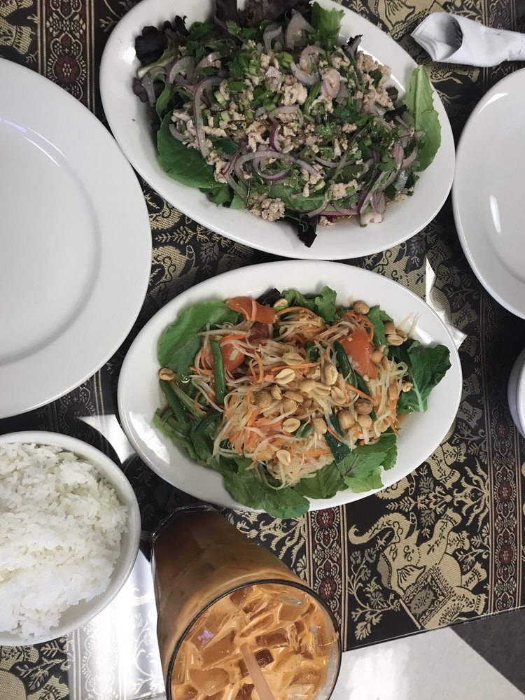 Food from Thai Sawatdee