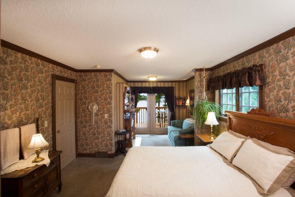 Inn On Lake Wissota: 16649 96th Ave, Chippewa Falls, WI