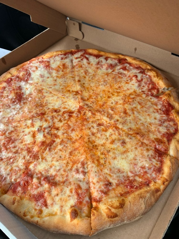 Brickyard Pizza: 11 Simmons Pl, Saugerties, NY