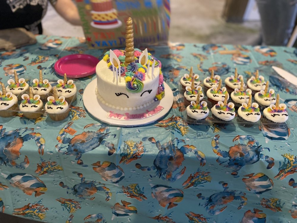 A Specialty Bakery & Party Shoppe: 2200 East 2nd St, Gulf Shores, AL