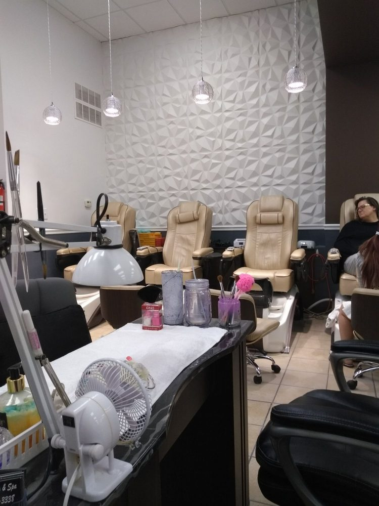 Jewel Nails and Spa: 513 8th St SE, Altoona, IA
