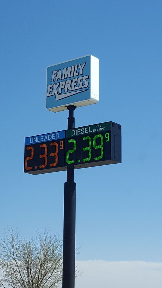 Family Express: 505 N Maine St, Remington, IN