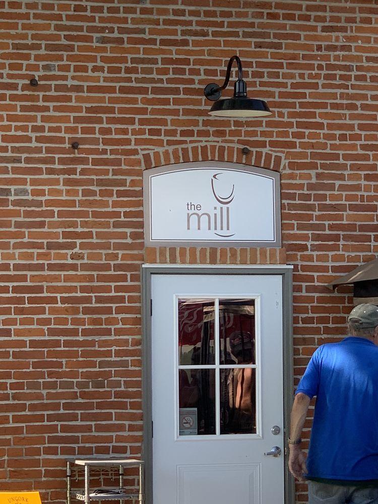 The Ruma Mill: 214 Main St, Ruma, IL